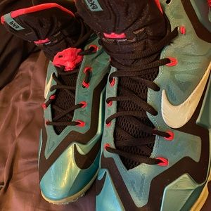 "Nike Lebron 11 ""South Beaches"""